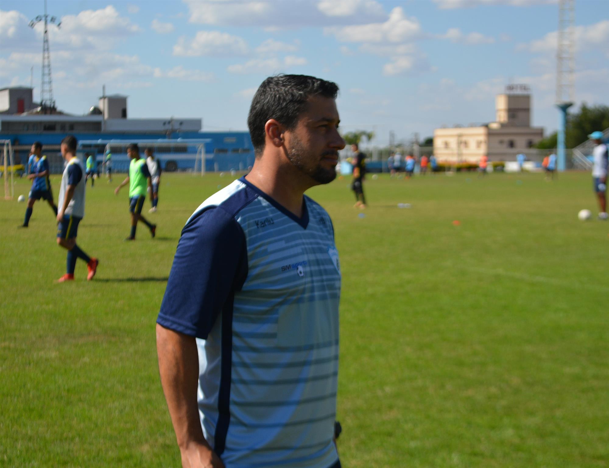 Sob o comando de Val Zocatelli, sub-15 vence jogo-treino