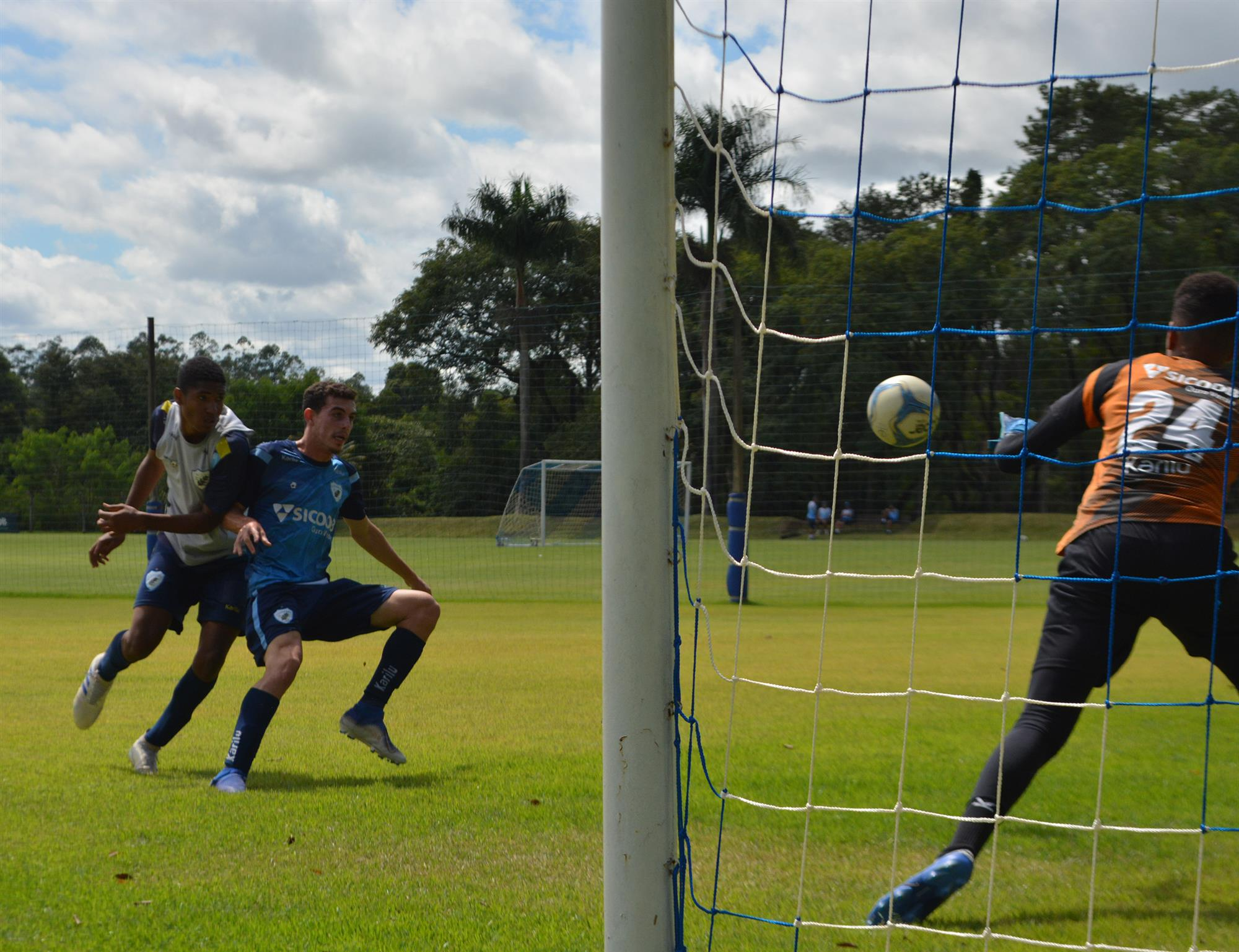 """""""Foi um bom teste"""", avaliou o técnico do sub-17, Márcio Santos"""