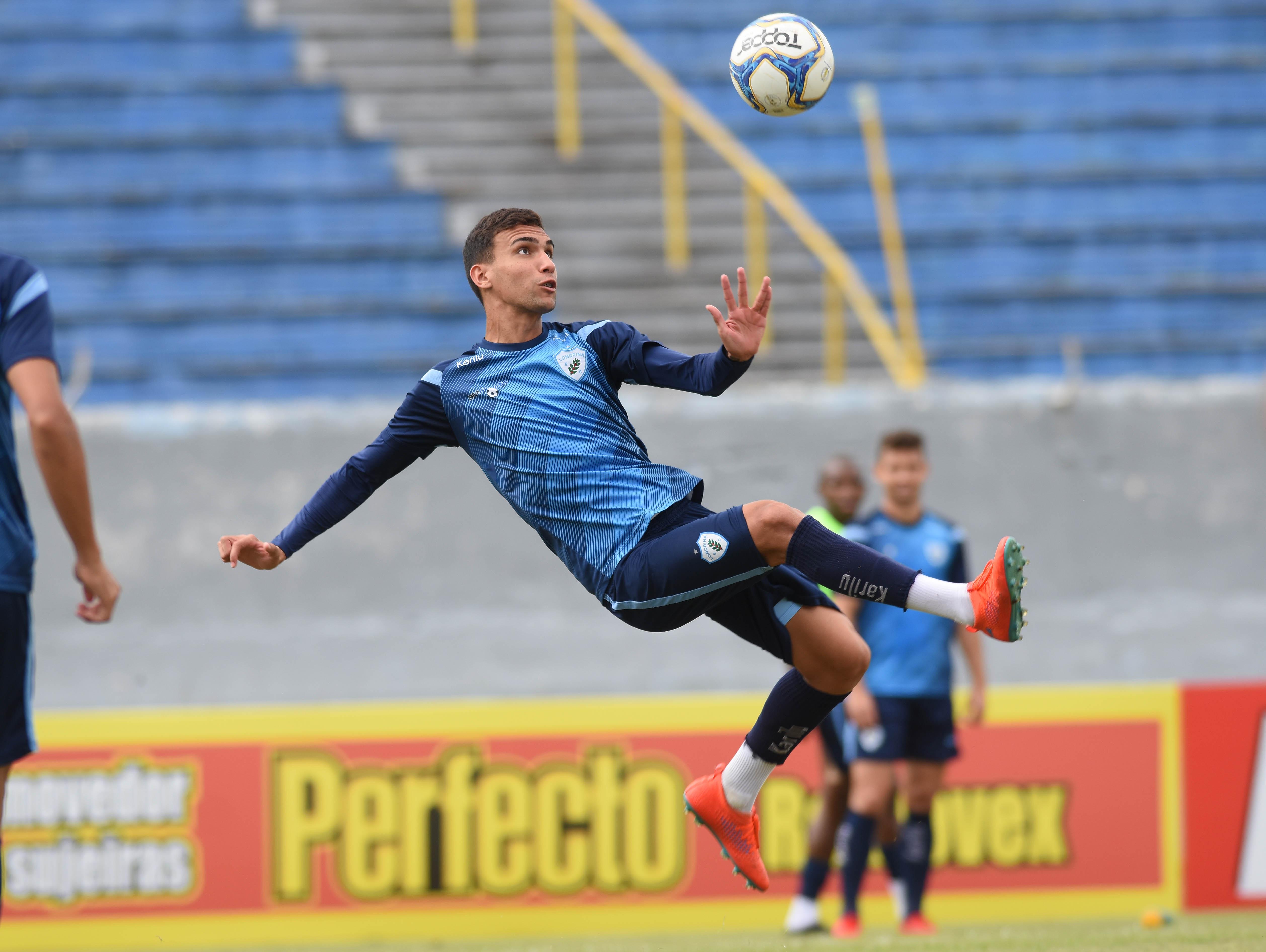Confira a lista de jogadores convocados para o desafio diante do Bragantino